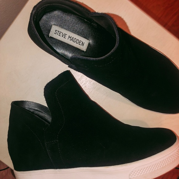 859563df5a4 Steve Madden Wrangler Platform Sneaker. M 5c3d2b1c8ad2f917b4186947